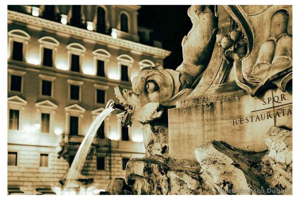 Staua-fontana-Pantheon